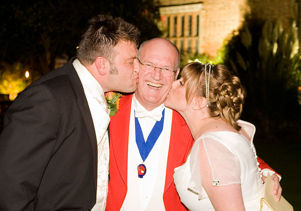 Kiss from Bride & Groom
